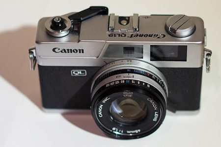 Canonet QL19 camera